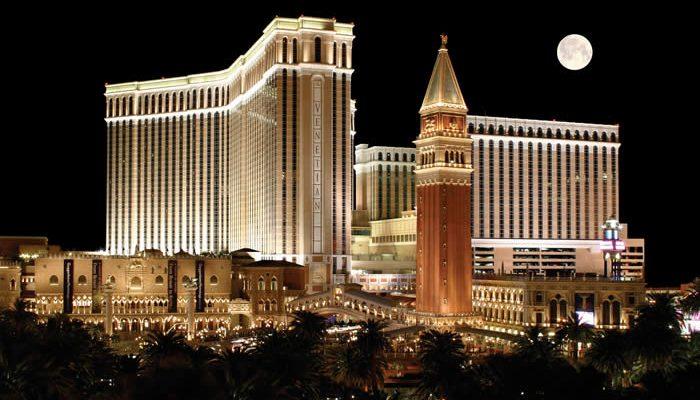 Maailman suurin ja ehkä myös kaunein kasino.